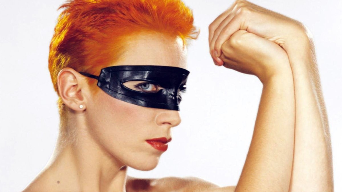 Londnr Artist of the Month: Annie Lennox