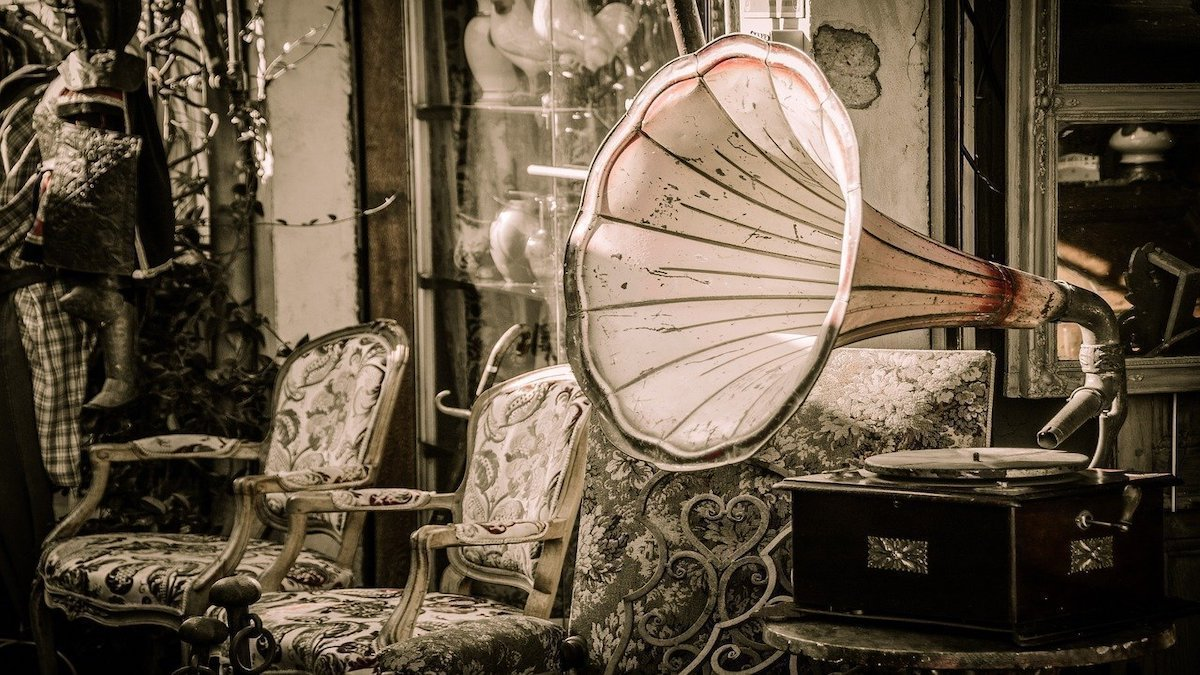 The Ear Takes Notes: On Music and Memory